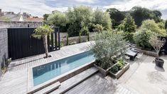 Piscine 13,50 x 2,75 m Revêtement gris anthracite Margelles et plages en ipé Trophée d'Argent FPP 2016 de la piscine familiale de forme angulaire