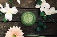 Delicious green smoothie, I love adding oats to smoothies to make them a little more substantial.