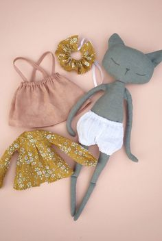 Beautiful Handmade Linen Cat Doll | QuelCarrousel on Etsy