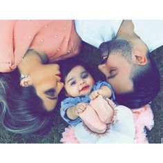 Baby boy pictures with dad family photos Ideas Couple With Baby, Cute Love Couple, Cute Family, Baby Family, Family Goals, Couple Goals, Dad Baby, Mom And Baby, Baby Love
