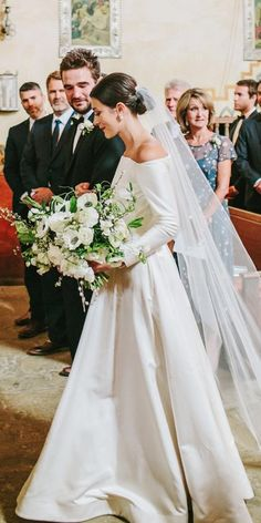 wedding dress classic Wedding Dresses Fall See The New Trends wedding dresses fall 2019 a line simple off the shoulder sleeves similar meghan markle emilia wickstead Western Wedding Dresses, Wedding Dress Trends, Sexy Wedding Dresses, Bridal Dresses, Wedding Gowns, Wedding Ideas, Bridal Fashion Week, Long Sleeve Wedding, Fall Dresses