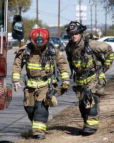 Firefighter Tools, Firefighter Paramedic, Fire Dept, Fire Department, Hot Firefighters, Firemen, Victor Ortiz, American Firefighter, Emergency Responder