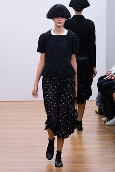 Comme des Garçons Comme des Garçons Spring 2015 Ready-to-Wear - Collection - Gallery - Look 1 - Style.com