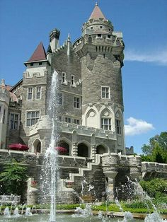 Casa Loma, a castle in the heart of Toronto, Ontario, Canada. Beautiful Castles, Beautiful Places, The Places Youll Go, Places To See, Canada Eh, Famous Castles, Kirchen, Canada Travel, Ottawa