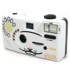 A holga that meows when you take a picture! I simply must have this.