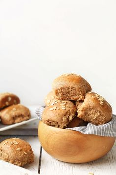 Easy-to-make, 7-ingredient vegan dinner rolls made with 100% spelt flour and rolled oats! Wholesome, fluffy, tender, perfect for the holidays!