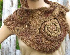 Crochet Scarf Capelet W9oman winter fashion Neck Warmer por Degra2