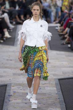 Preen by Thornton Bregazzi Spring 2017 Ready-to-Wear Fashion Show - Maria…