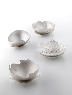 Leslie Matthews, Cool their tea with sighs, 2010, Sterling silver