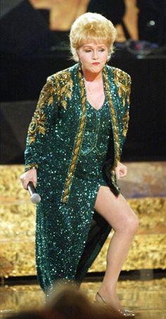 Debbie Reynolds -- in Niagara Falls. And oh those legs!