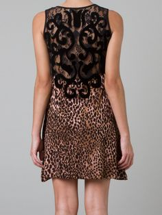 CECILIA PRADO Vestido onça  R$ 649,00R$ 454,30 12 x R$ 37,86 http://ad.zanox.com/ppc/?30691238C18628954&ULP=[[http://www.farfetch.com/br/shopping/women/cecilia-prado-vestido-onca-item-10686054.aspx?storeid=9236&ffref=lp_199_&utm_source=zanox&utm_medium=Display&utm_campaign=custom_deeplink]]