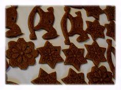 Formový-vytlačovaný perník | cestičky sem a tam Gingerbread Cookies, Desserts, Food, Gingerbread Cupcakes, Tailgate Desserts, Deserts, Essen, Postres, Meals
