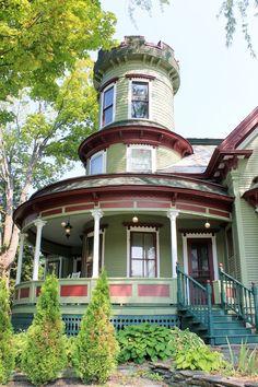 c.1887 Victorian 70 Washington St. Barre, Vt 05641