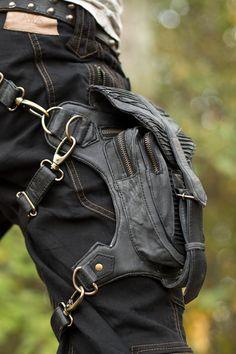 Gunslinger Stash in Antique Black, Slight Defect - Verillas Steam Girl, Hip Bag, Leather Bags Handmade, Steampunk Clothing, Balenciaga City Bag, Leather Working, Fashion Boutique, Leather Wallet, Mens Fashion