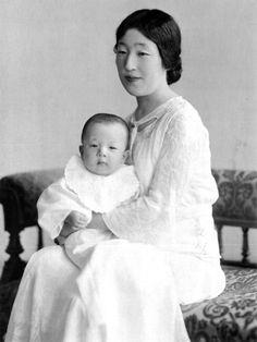 Empress Kōjun with her first son, Prince (now Emperor) Akihito