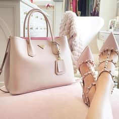 Pink on pink on pink!  #fashionblogger #fashiondiaries #ootd #yootd #fblogger #makeup #chic #style #motd #luxury #beautyblogger #bagporn #studs #valentino