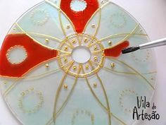 CD deco for diwali Old Cd Crafts, Crafts To Do, Arts And Crafts, Diy Crafts, Cd Recycle, Recycled Cds, Cd Diy, Stained Glass Paint, Crafts For Seniors
