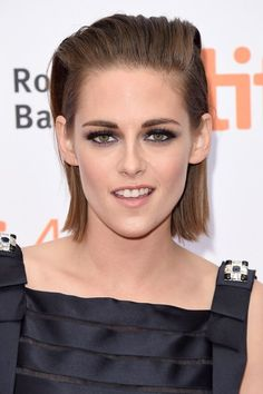 See pictures of Kristen Stewart's hair and make-up in Twilight and on the red carpet. Kristen Stewart hairstyles through the years.