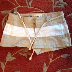 Old navy shorts Only wore once no stains! Look and feel new Old Navy Shorts Bermudas