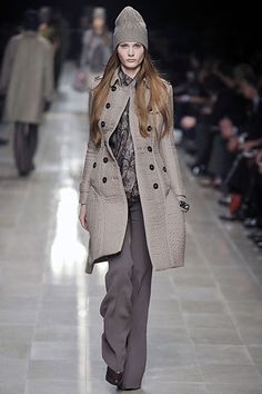 Burberry Prorsum Fall 2008 Ready-to-Wear Fashion Show - Edita Vilkeviciute