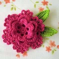 modelo de flores e folhas de crochê para tapetes