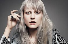 Traditional Rebels – Goldwell color zoom 2015 – The New Kid In Town – hairtrends 2015 Hair Color Trends, Trends 2016, Hair Trends, 90s Hairstyles, New Haircuts, Medium Hairstyles, Wedding Hairstyles, Wavy Hair Men, Grey Hair