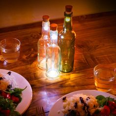 Don't throw out your empty bottles, transform them into lamps with this rechargeable cork-shaped LED light. Make interesting lights with vintage drinks bottles or create a cosy, improvised table feature. <ul> <li>Great for outdoors</li> <li>Recharges via USB</li> <li>Charges in 1 hour</li> <li>Eco-friendly product</li> </ul>