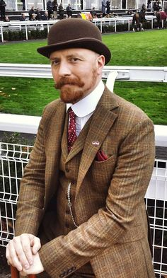 33 ideas vintage fashion for men tweed for 2019 Tweed Run, Tweed Jacket, Mustache Styles, Tweed Suits, Mode Inspiration, Stylish Men, Dapper, Vintage Fashion, Vintage Style