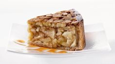 Mövenpick apple pie - a tasty apple pie served with whipped cream at € 4,50.