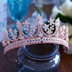 Tiara Cake, Tiara Ring, Cute Jewelry, Hair Jewelry, Bridal Jewelry, Tiara Tattoo, Crown Aesthetic, Accesorios Casual, Crystal Crown