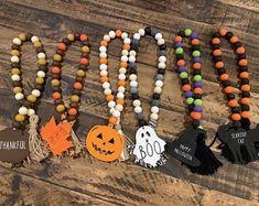 Halloween Beads, Fall Halloween, Halloween Crafts, Halloween Decorations, Halloween Garland, Wood Bead Garland, Beaded Garland, Fall Garland, Garland Ideas