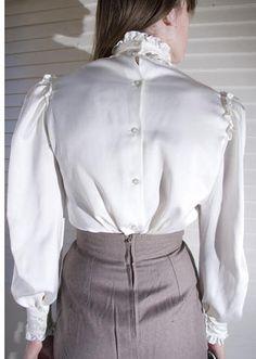 Satin Blouses, Shirt Blouses, Button Dress, Blouse Dress, Rock, Feminine Style, Strong Women, High Waisted Skirt, Mini Skirts
