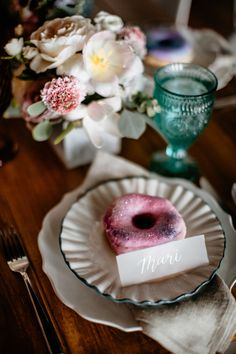 Imagine being guided to your seat only to discover a mini confection already waiting for you. That's the definition of hospitality—especially if the donuts that mark your guests' spots are as pretty as these by Yours Truly Cupcake. Wedding Donuts, Wedding Desserts, Wedding Cakes, Wedding Decorations, Wedding Rings, Wedding Ideas, Beignets, Donut Tower, Mini Doughnuts