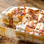 Well how delicious does this dessert look? a really creamy yummy pumpkin cheesecake lasagne dessert that really is a great crowd pleasing dessert to make When I came across this recipe it was one of … Easy No Bake Desserts, Fall Desserts, Just Desserts, Delicious Desserts, Dessert Recipes, Potluck Deserts, Potluck Food, Dinner Recipes, Homemade Desserts