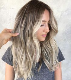 Amazing Brunette Balayage Long Layered Hairstyles for Women to Consider Now Balayage Brunette, Brunette Hair, Balayage Hair, Blonde Sombre Hair, Ash Blonde, Beachy Blonde Hair, Asian Hair, Ombre Hair Color, Human Hair Extensions