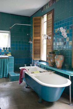 Fascinating Bohemian Bathroom Ideas Perfect For Relaxation Dream Bathrooms, Beautiful Bathrooms, Bohemian Bathroom, Bathroom Vintage, Turquoise Bathroom, Estilo Interior, Bathroom Inspiration, Bathroom Ideas, Beautiful Homes