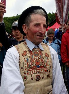 Hungarian Embroidery, Folk Dance, Ancient Symbols, Folk Costume, My Heritage, People Of The World, Pilgrim, Traditional Dresses, History