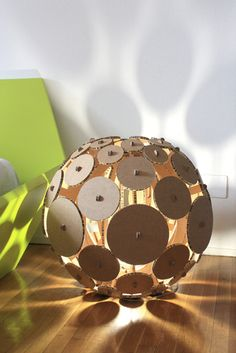 "Lampada in cartone ""SNOWBALL"" | Lamp made of cardboard by Papermood via DaWanda.it"