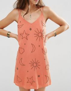 Find the best selection of ASOS Embellished Star and Moon Sundress. Shop today with free delivery and returns (Ts&Cs apply) with ASOS! Red V Neck Dress, V Neck Prom Dresses, Necklines For Dresses, Robe Swing, Swing Dress, Asos Premium, Asos Dress, Stars And Moon, Fashion Online