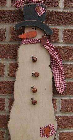 Primitive wooden snowman by tatteredwoodnrags on Etsy
