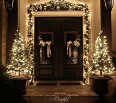 christmas porch and front door garland diy, christmas decorations, curb appeal, doors, porches, seasonal holiday decor
