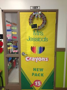 Using yellow and green paper, you can create a crayon box background for your classroom door. Could add crayon cut outs with student names on them to this display. classroom decor middle Read more info by clicking the link on the image. Classroom Displays, Classroom Themes, Classroom Organization, Future Classroom, Door Displays, Crayon Themed Classroom, Holiday Classrooms, Classroom Hacks, Library Displays