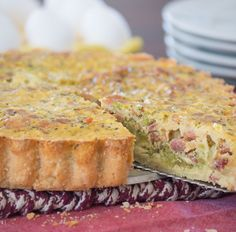 This dairy free quiche uses nutritional yeast which gives it a savory, cheesy flavor without the irritating dairy. And it& gluten free with a flaky crust. Broccoli Bacon Quiche, Brunch Recipes, Paleo Recipes, Grain Free, Dairy Free, Gluten Free, Meal Plan Grocery List, Paleo Life, Spinach And Cheese