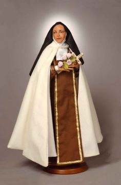 Saint-Therese-Statue-Christmas-Gift-Boxed-Mark-A-Dennis-artist-Little-Flower