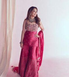 Punjabi Salwar Suits, Patiala Salwar, Sharara, Latest Designer Sarees, Indian Designer Outfits, Designer Dresses, Dress Outfits, Fashion Dresses, Fancy Kurti