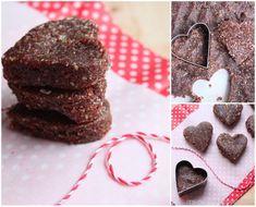 Homemade Larabars {Dark Chocolate, Coconut, Dates & Almond Energy Bars} for a healthy Valentine's Day treat