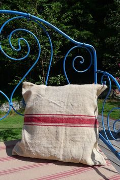 アンティーク布を使ったクッション (赤/麻布) French antique hemp cushion