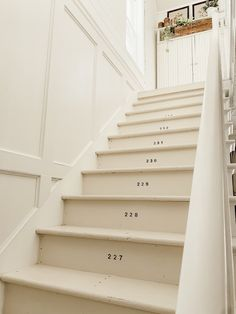 Numbered Stairs - Farmhouse Stairway Makeover Sitting in a detached house is . Numbered Stairs – Farmhouse Stairway Makeover Sitting in a detached house is an incredibly gre Cottage Stairs, Farmhouse Stairs, Farmhouse Decor, White Farmhouse, Farmhouse Style, White Cottage, Farmhouse Ideas, Country Style, Painted Staircases