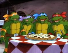 Friday means it's Pizzaaaaa Time !!! #TMNT #TGIF