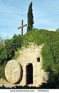 The empty tomb of Jesus in Israel. Empty Tomb, Resurrection Day, Holy Week, Lord And Savior, Holy Land, Places To See, Beautiful Places, Around The Worlds, Nature